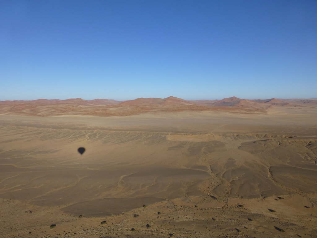 Luftbild-mit-Ballonschatten3.jpg